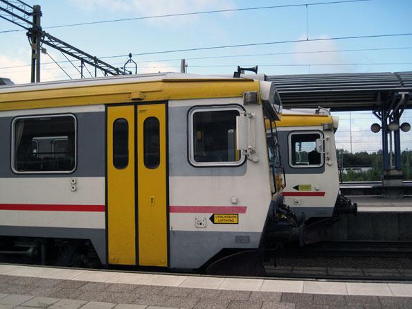 Är det förnuftigt att som Jönköpings Länstrafik köra regionaltåg med bara en handfull passagerare? Foto: Ulo Maasing