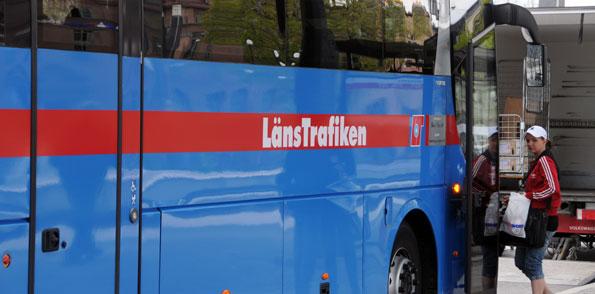 Länstrafiken Örebro vill satsa på mer trafik för att minska antalet delade turer för bussförare. Foto: Ulo Maasing.