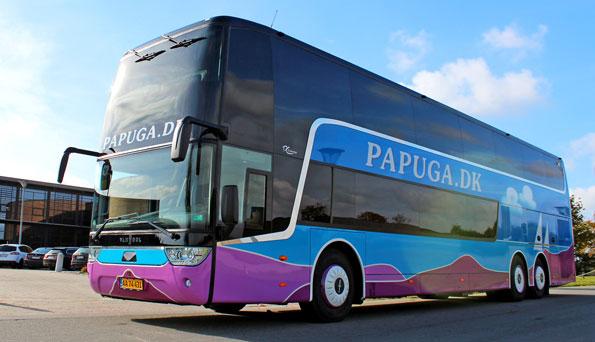 Danska Papuga lät tillverka en Van Hool Astromega dubbeldäckare på Scaniachassi. Foto: Scania.