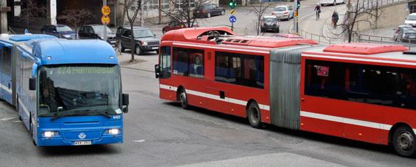 K:D vill att landstingsanställda i Stockholmsom åker bil ska få testa kollektivtrafiken gratis. Foto: Ulo Maasing.