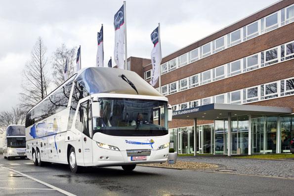 Tyska Hülsmann Reisen har lagt den största ordern i Neoplans historia på lyxturistbussen Starliner. Foto: Man truck & bus.