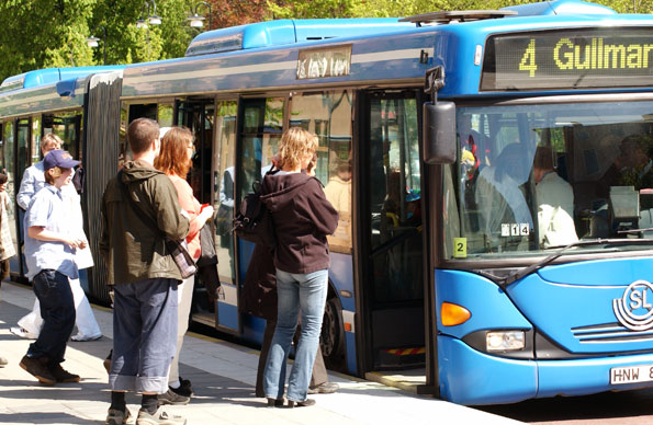Allianspartierna i Stockholms läns landsting vill skynda på en omvandling av stomlinje 4 i Stockholm till spårväg. Foto: Ulo Maasing.