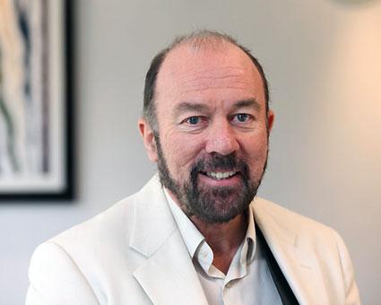 Transportjätten Stagecoach grundare och styrelseordförande Brian Souter är på väg att göra comeback i Norden. Foto: Stagecoach.