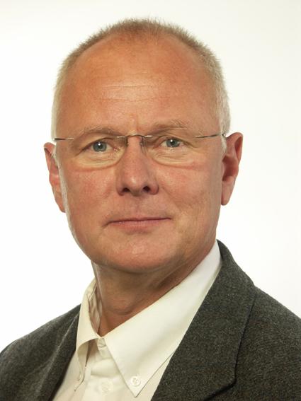 …Finn Bengtsson (M) kräver hårdare tag mot smuggelbussarna. Foto: Riksdagen.