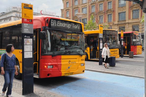 Nu kan man köpa enkelbiljett för en resa i Skånetrafikens app och även resa med Movias bussar och tåg på Själland. Foto: Ulo Maasing.