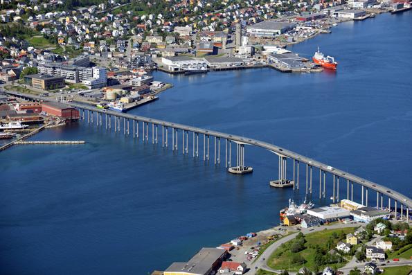 Tromsö –problemfylld stad för Nobina. Foto: Harvey Barrison/Wikimedia Commons.