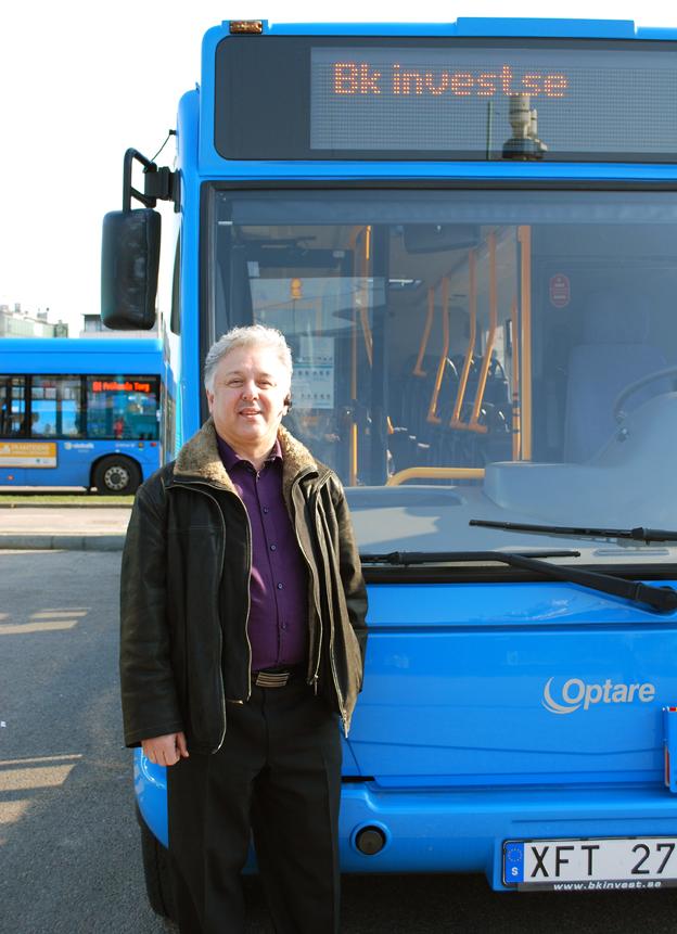 Han etablerar ny kommersiell busstrafik i Skåne. Slamak Notash Rad och hans företg AMB Transport har ambitionen att bygga upp ett nät av fyra kommersiella linjer.