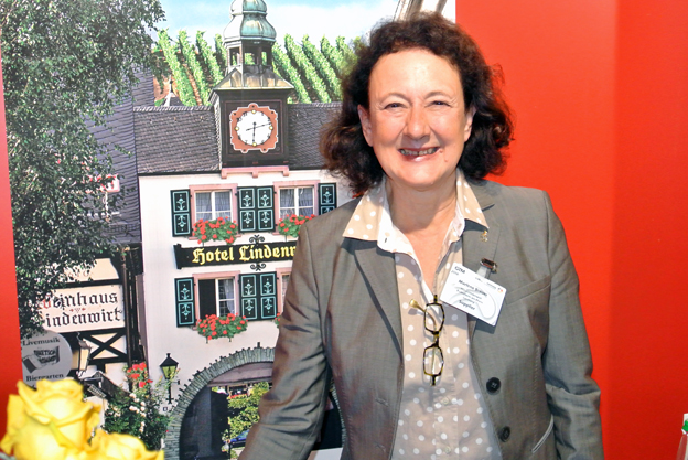 Välkänd bland svenska bussresearrangörer är Marlene Breuer från Hotel Lindenwirt i Rüdesheim. Foto: Ulo Maasing.