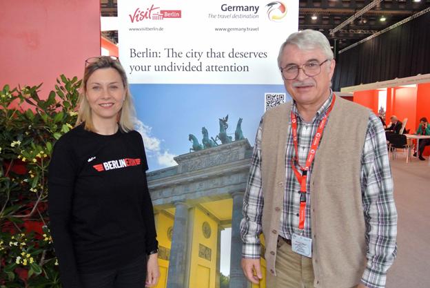 VisitBerlins Catharina Erceg tillsammans med ryske resejournalisten Alexander Popov. Foto: Ulo Maasing.
