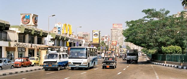 Kairos gator kommer snart att trafikeras av 150 Scaniabussaar. Foto lic via Wikimedia Commons.