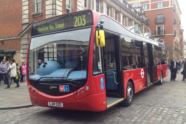 Samtidigt passade Optare på att visa sin stadsbuss MetroCity i elektrisk version. Bussen finns i längder på 9,9 och 10,6 meter och har en kapacitet på upp till 60 passagerare.