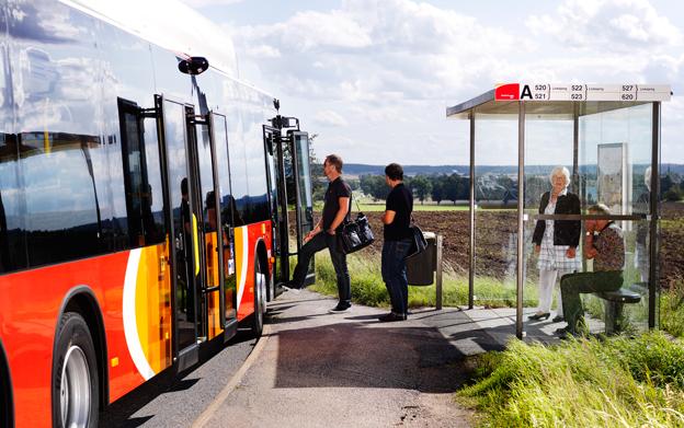 Vid halvårsskiftet kommer all kollektivtrafik med buss i Ötergötland att köras med förnyelsebara bränslen. Foto: ÖstgötaTrafiken.