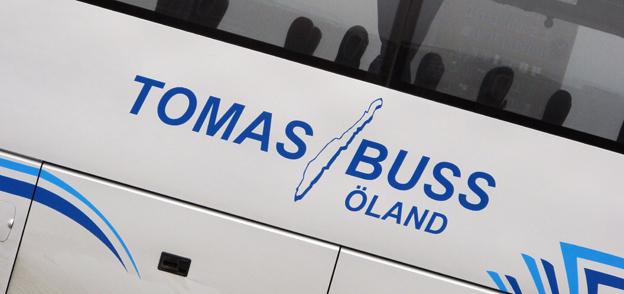 Tomas Buss får fortsätta att sväva i ovisshet om skolskjutsar. Först förlorade man trafik, sedan fick man den och nu måste allt göras om… Foto: Ulo Maasing.