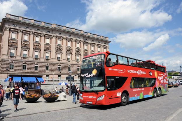 Turismen växer och sightseeingbussarna rullar som aldrig förr. Foto: Ulo Maasing.