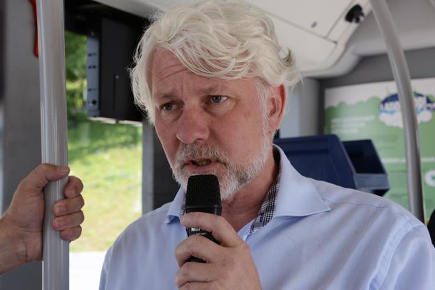 Mikael Persson, Sveriges Bussföretag: Det är på flera punkter en mörk bild som tonar fram när det gäller tillämpningen av den 30 månader gamla kollektivtrafiklagen. Foto: Ulo Maasing.