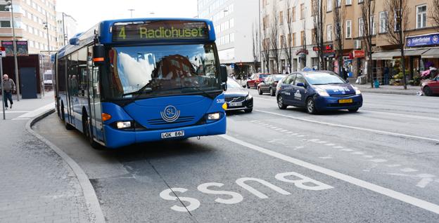 Stockholmarna vill ha nya busslinjer med direktbussar som har företrädesrätt i trafiken. Foto: Ulo Maasing.