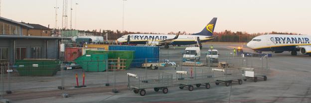 När Ryanair drar ner på Skavsta tvingas Flygbussarna minska antalet anställda. Foto: Inkey/Wikimedia Commons.