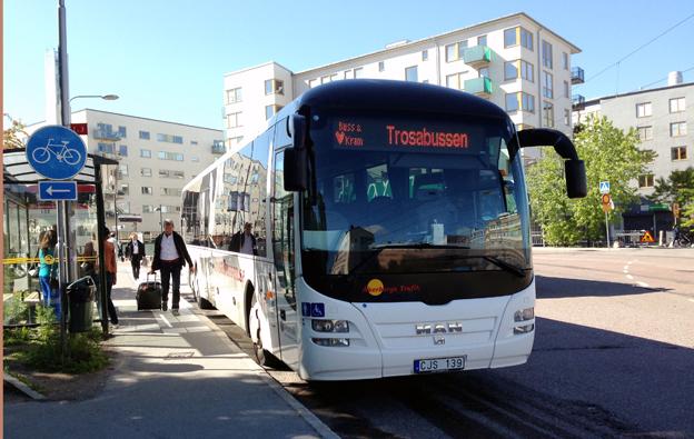 Trosabussen, som körs av Åkerbergs Trafik mellan Liljeholmen/Stockholm och Trosa blir helt kommersiell nästa år. Foto: Ulo Maasing.
