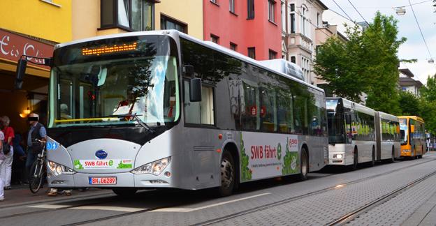 En batteribuss av modellen BYD K9 i provtrafik i Bonn, Tyskland. Nu planerar kinesiska BYD en bussfabrik i Brasilien. Foto: Wikimedia Commons/Sielvogel.