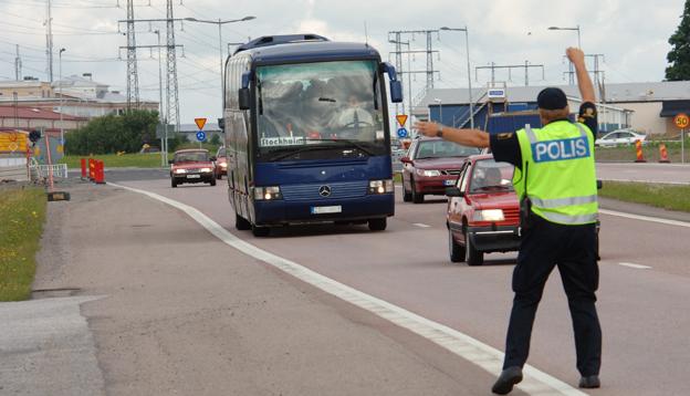 Polis och tull ska få möjlighet att klampa bussar och lastbilar vid brott mot kabotageregler eller kör- och vilotidsregler. Foto: Ulo Maasing.