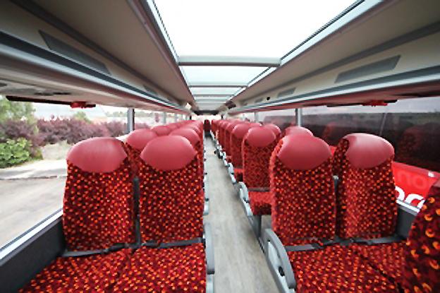 Glastak i linjetrafik. Stagecoach byter ut alla expressbussar mellan Oxford och London (Oxford Tube) mot dubbeldäckare med glastak. Foto: Stagecoach.