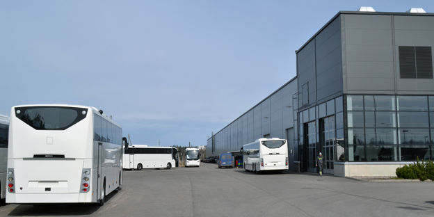 I Lahtis tillverkar Scania flera versioner av OmniExpress. Nu kompletteras produktionen med en stadsbuss, OmniExpress 320 LE. Foto: Scania.
