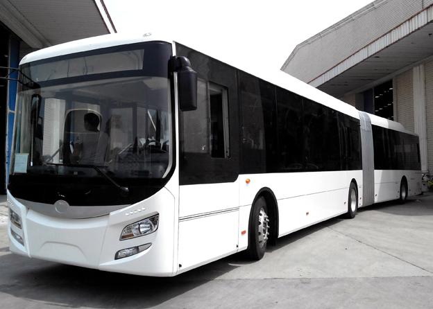 Den nya ledbussen ska gå i testtrafik i Tyskland i september. Bild: Eurabus.
