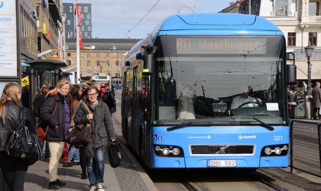 Nästan alla ledande riksdagskandidater ställer upp för en fördubblad kollektivtrafik. Foto: Ulo Maasing.
