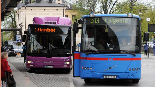 I slutet av oktober får alla bussar i Örebro län nya kortläsare. Foto: Ulo MAasing.