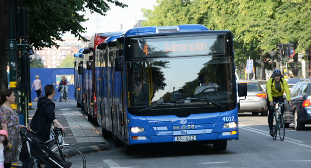 Facket Kommunal har nu stoppat SD-reklam även på bussar i Stockholms innerstad. Foto: Ulo MAasing.