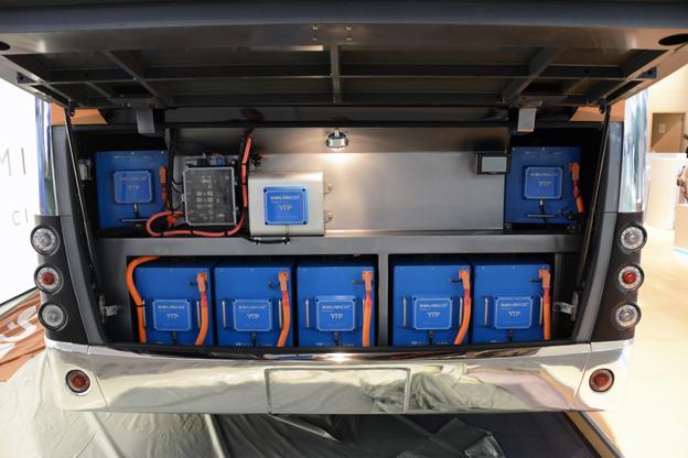 Ebusco 2.0 har ett batteripaket på 311 kWh som räcker för 300 kilometers körning i stadstrafik på en laddning. Foto: Ulo Maasing.