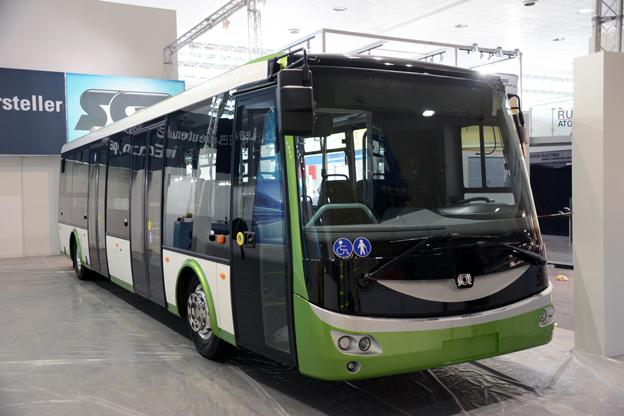Udda elfågel: Den tjeckiska busstillverkaren SOR visar en batteridriven stadsbuss. Foto: Ulo Maasing.