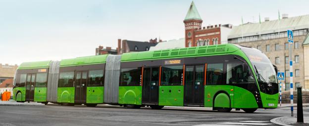 Sveriges Bussföretag vill att det ska bli grönt för bussar som är upp till 24 meter långa utan särskild prövning av Transportstyrelsen. Foto: Karl-Johan Hjertström.