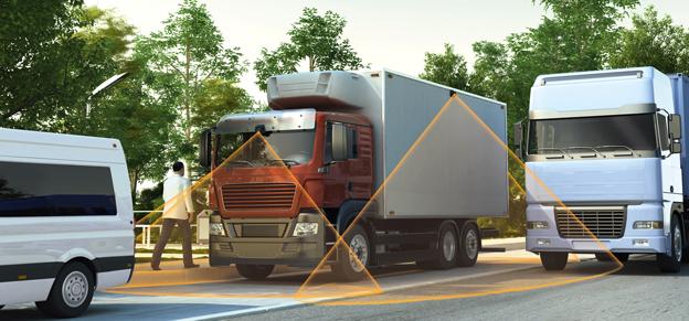 Med hjälp av externa, högt monterade kameror kan alla döda vinklar runt lastbilen eller bussen elimineras. Bild: Continental.