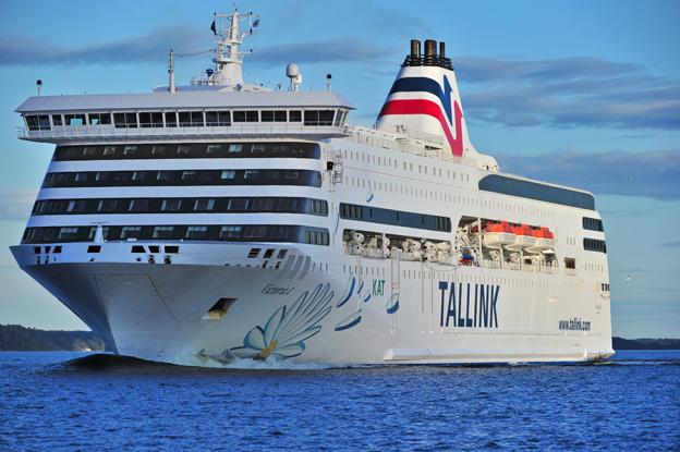 Resandet med Tallink minskade i augusti med närmare sex procent därför att rederiet tog ett fartyg på Rigalinjen ur trafik. På linjen Stockholm – Tallinn, där M/S Victoria seglar, ökade däremot resandet med sex procent. Foto: Tallink Grupp