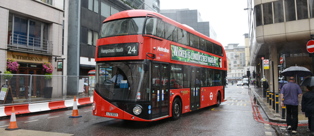 """London ska få ytterligare 200 """"Borismaster"""" hybridbussar. Foto: Ulo Maasing."""