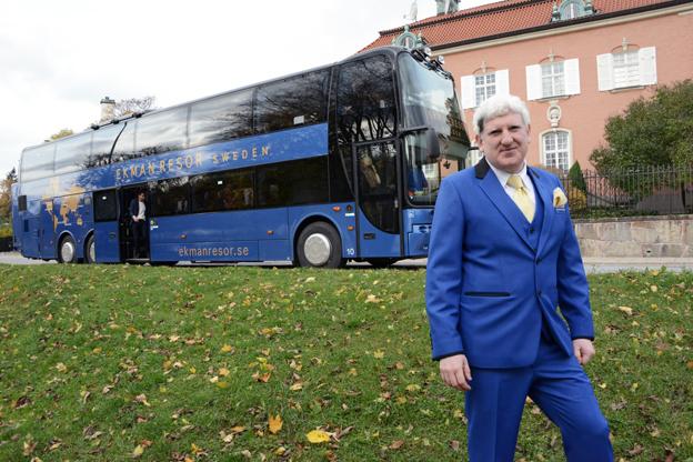 Ståndsmässigt. Johan Ekman och hans företag EkmanResor vill lyfta bussresan till en helt ny nivå genom att introducera First Bussness Class.