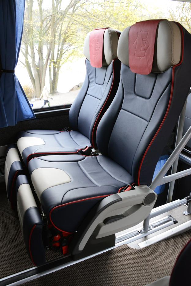 Stolarna är mycket komfortabla och utformade av Johan Ekman själv i samråd med grupper av resenärer.