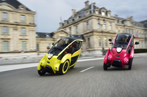 35 av bilarna är trehjuliga, 35 är fyrhjuliga. Foto: Toyota.