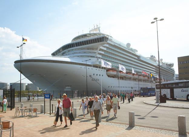 467 000 kryssningspassagerare spenderade 450 miljoner i Stockholm den här säsongen. Foto: Stockholms Hamnar.