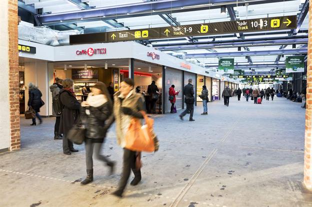 Malmö Centralstation. Men hur lätt är det för resenärerna att få information om var de hittar expressbussen när de planerar sin resa? Bild: Jernhusen.