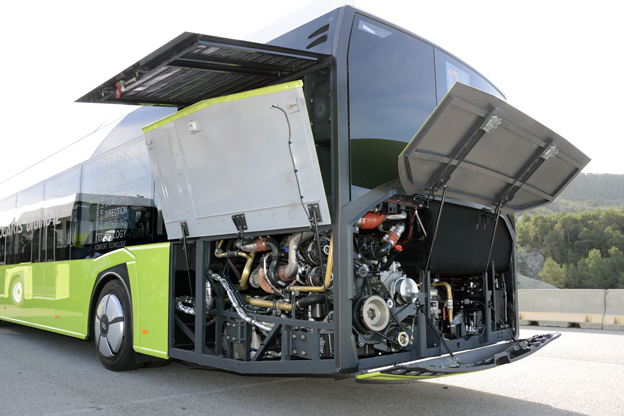 Nya Urbino 12 är Nyservicevänlig eftersom luckorna kan fällas upp i 170 graders vinkel.