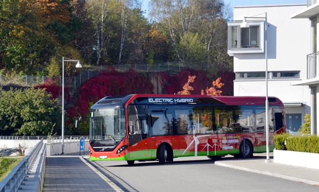I vinter ska linje 73 i Stockholm börja trafikeras med Volvos nya laddhybridbussar. Foto: Volvo.