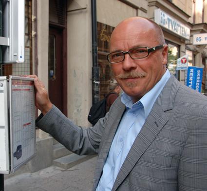 Christer G Wennerholm(M). Trafiklandstingsråd, spårvägslobbyist, partykille. Nu sätter han sitt hopp till (S)+(MP) sedan ha misslyckats med att få statliga miljarder till spårvägar från alliansregeringen.