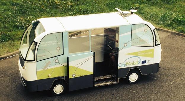 RobuCity från det franska företaget Robosoft är en eldriven, förarlös buss som tar tolv passagerare. Foto: Robosoft.