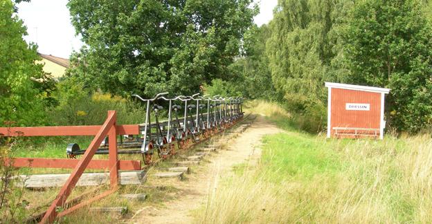 Delar av Hästveda - Karpalunds järnväg används idag för dressincykling, en annan del kommer att bli bussväg. Foto: Luen/Wikimedia Commons.