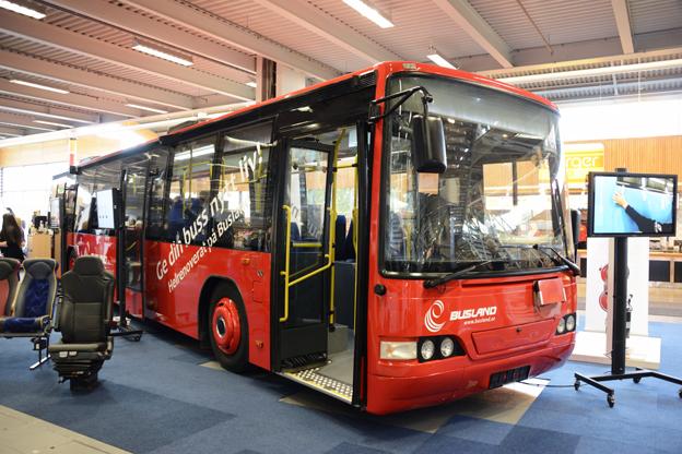 Inte ny, men som ny. Estniska Busland visade en buss från Luleå Lokaltrafik som man totalrenoverat. Foto: Ulo MAasing.