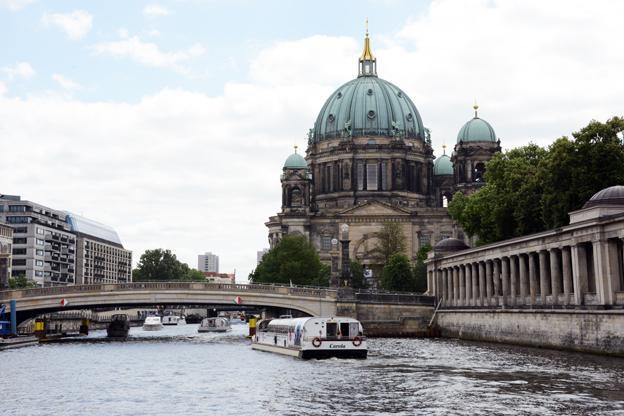 Katedralen i Berlin och floden Spree. Foto: Ulo Maasing.