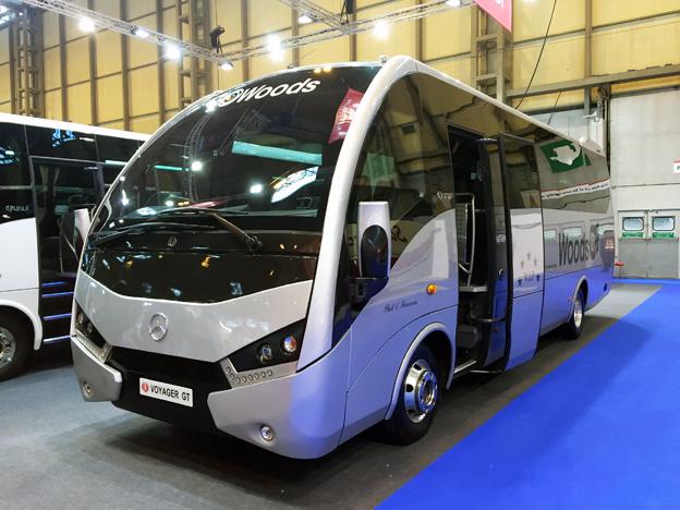 Spanska Unvi hade en hel serie bussar på plats, bland annat denna