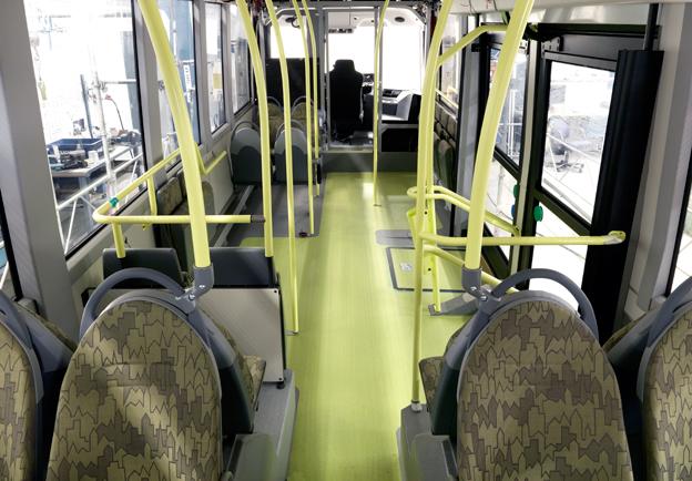 Hemligt, hemligt. När Volvo visade sin kommande elbuss för en handfull journalister fick deras kameror vila. Interiören i den 10,7 meter långa konceptbussen har ärvt mycket från Volvos bidrag till projektet European Bus of the Future, ESBF. Foto: Volvo Bussar.